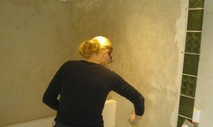 Klusvrouw Nicole Prins bouwt badkamer