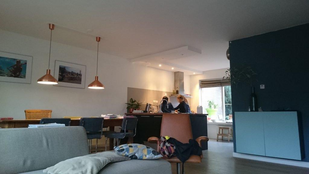 Nicole Prins klusvrouw woonkamer keuken stuken stucen