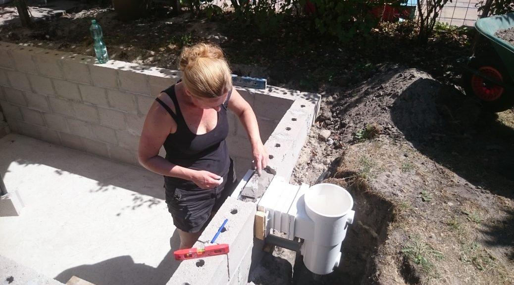 Nicole Prins bouwt een zwembad