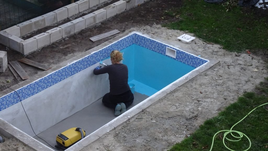 How to build a swimming pool klussen met nicole prins - Building a swimming pool yourself ...